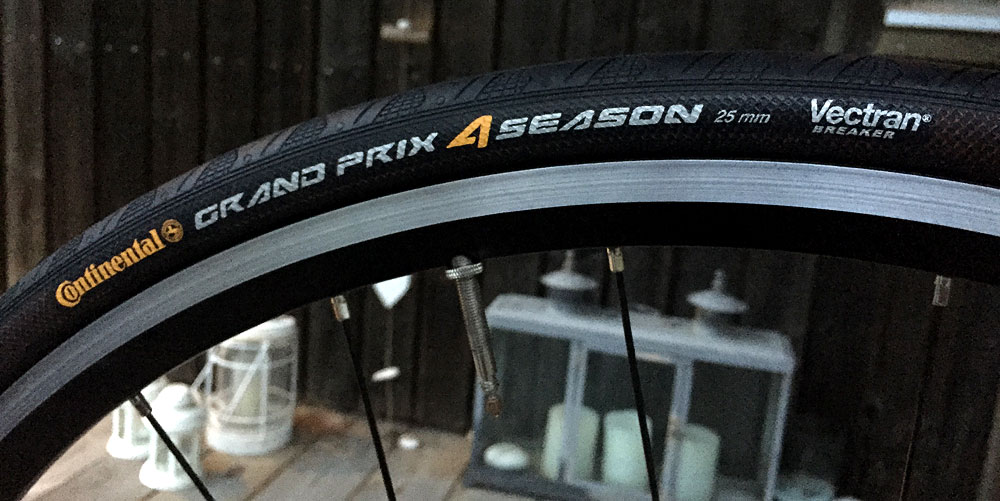 Förstärkta däck som ska hantera grus bättre än racedäcken